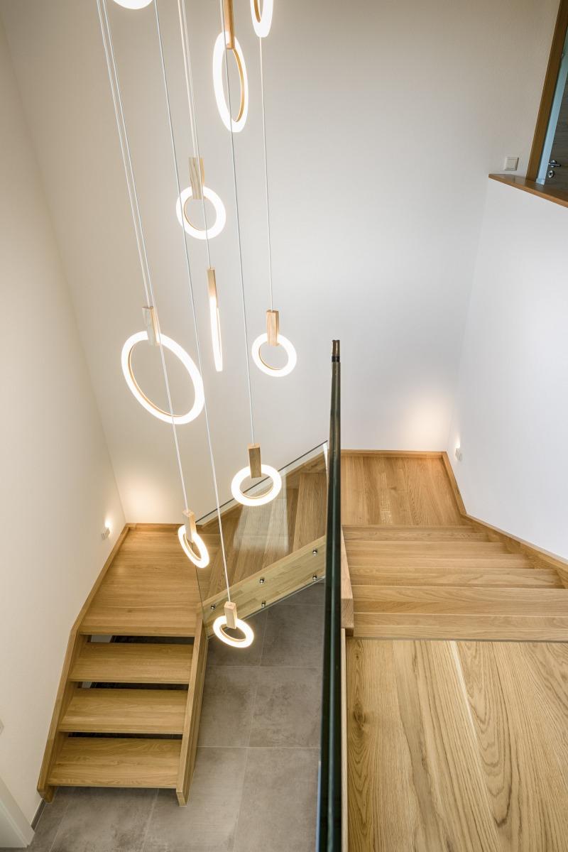HolzHaus-Treppe-Mutter3